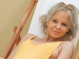Nuori blondi teinit monroe filthy siesta osa 1