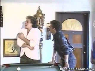 Billiard tegema armastus jaoks a tomentose daam
