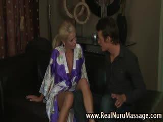 meer bigtits neuken, ideaal masseuse vid, controleren masseur