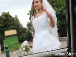 Dumped ब्राइड amirah adara पब्लिक गड़बड़