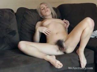 This hairy blonde Selena looks like an angel