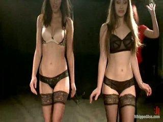 Two aluspesu mudelid olema karistatud ja shaged poolt maitresse madeline
