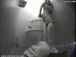 Seksi warga jepun gadis asrama tandas onanism