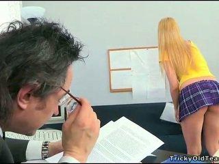 Seks lesson met geil leraar