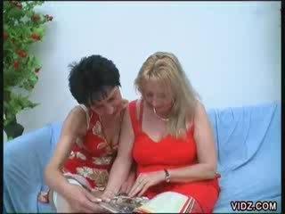 ideaal lesbo klem, paardrijden scène, kijken dijk thumbnail