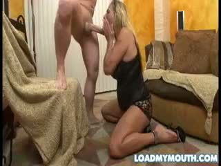 Debi diamond blows një i madh bone