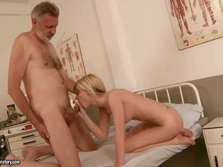 Old man fucks gyzykly young blondinka