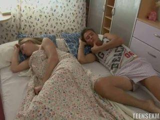 spanie, nastolatków