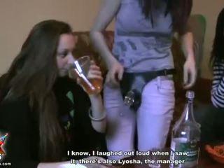 realitate, adolescență, fete de partid, sex elev