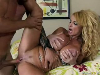 Porn Floozy Taylor Wayne Feels Her Man's Shaft Spooning Her Pussy Out And Loves It