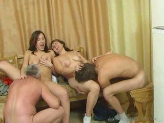 Rallig familie sex orgie video