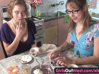 Мила австралійка лесбіянки лизати їх рожевий holes