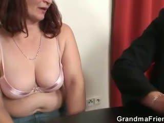 oud film, zien 3some vid, nominale grootmoeder neuken
