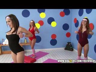 Aerobics instructor loves كبير قضيب