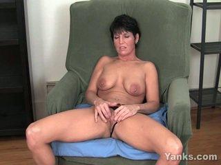 brunette video-, masturberen klem, nominale enorme tieten