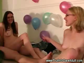 gefängnis mädchen mädchen balloonssex