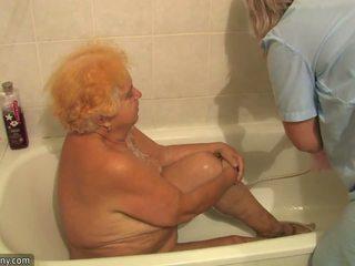 Γριά παχουλός grandmother having γαμήσι beside innocent πρόσωπο