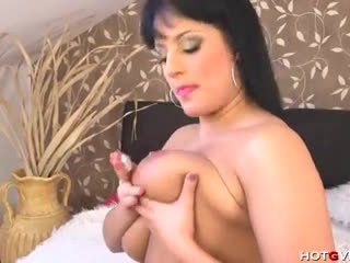 spanish, orgasm, masturbate, voluptuous