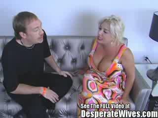 Flittchen ehefrau claudia marie gets gefickt von dreckig d und swallows seine heiß load von spunk