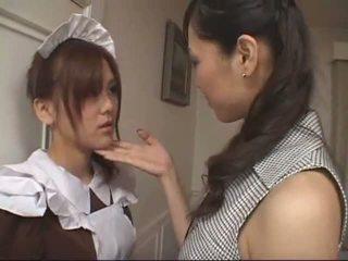 Warga asia lesbian pembantu rumah