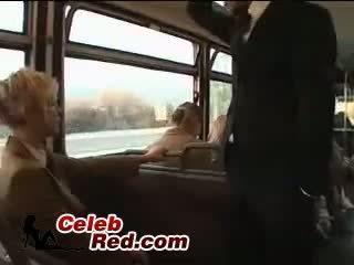 Blondine schoolmeisje maniac misbruik japans guy in bus met