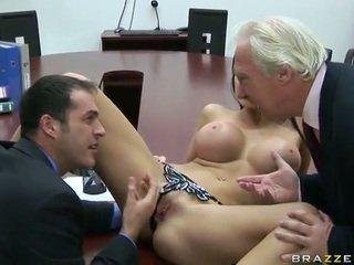 Liels titted eiropieši dolls aletta ocean screws viņai chief uz the birojs