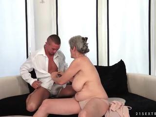 Cycate babunia enjoys gorące seks z jej boyfriend