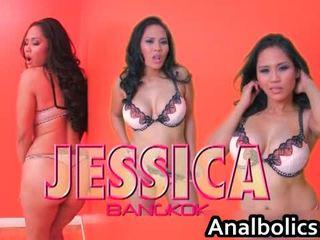 Aziāti lesbiete pāris kiss un izstāde no