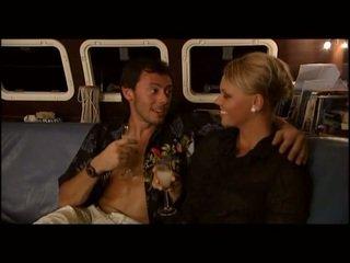 Ellen saint sex im ein yatch