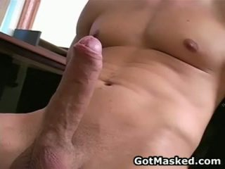 Hunky homosexual guy stripping 和 催人泪下 他的 10 pounder 26 由 gotmasked