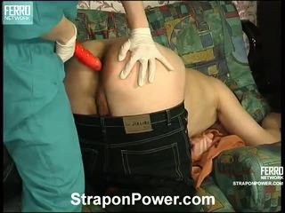 controleren strap-on gepost, heetste strap on bitches, strap on cun thumbnail