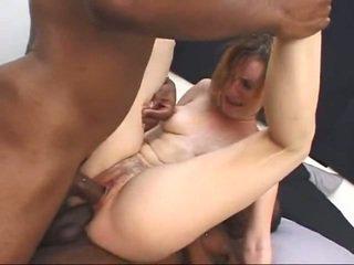 白 熟女 gets screwed バイ two 大きい ブラック cocks