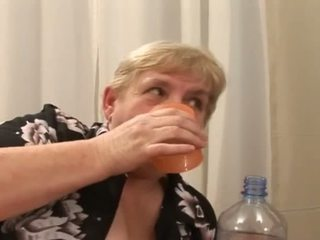 Embistiendo un gorda viejo peluda abuelita