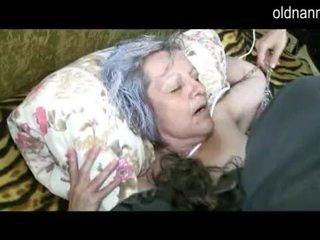 Stary babcia dostać cipka licked przez młody guy