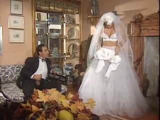 לאחר the חתונה