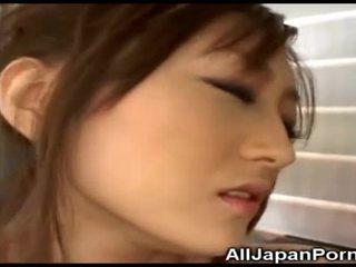Japonesa nena gets placer desde vibrador!