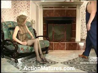 Penelope e adam hooters mãe em ação