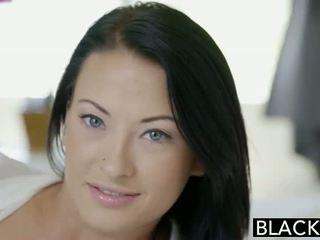 Blacked adolescente beauty tries interracial anal sexo