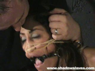 Sahara knite humiliating kasvot bondage ja spanked