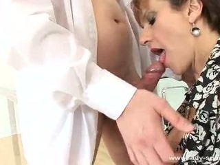 महिला sonia cums कठिन और loud