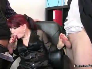 ร้อน ธุรกิจ ผู้หญิง takes two dicks