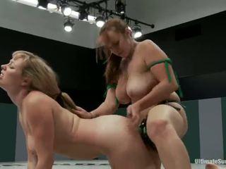 Adrianna nicole e bella rossi giocare sesso gioco xxx gioco insieme insieme con un strapon invece di wrestling