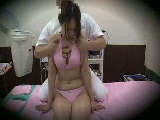 Spycam reluctant mergaitė masažas seksas 1