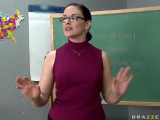 Tristyn kennedy fucks en stor balle i den klassrummet video-