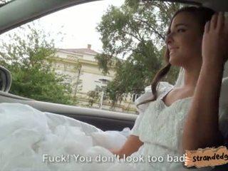 Cô dâu đến được amirah adara ditched qua cô ấy fiance và fucked lược qua stranger video