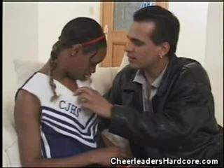 ผู้หญิงผิวดำ วัยรุ่น เชียร์ลีดเดอร์ ใช้ปาก งาน