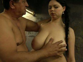 pijpbeurt thumbnail, een brunettes vid, grote tieten