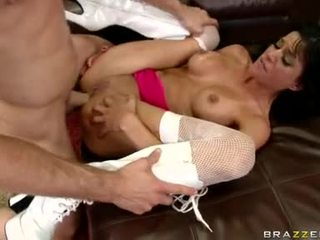 Sizzling playgirl haley wilde jest having zabawa getting hammered na to chabr inviting tyłek
