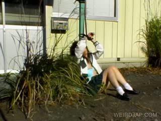 Asiatico studentessa shows pelosa vagina
