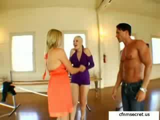 fun kinky most, best lesbians, dance